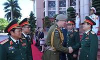 越南和新西兰加强国防合作