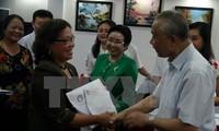 越南劝学协会向中部11个省市赠送33亿越盾用于劝学活动