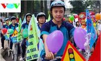 2015年大学生与交通文化日在芹苴市举行