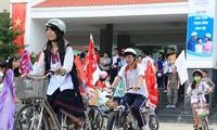 """""""交通安全行动月""""响应活动启动仪式在胡志明市举行"""