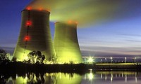 俄罗斯国家原子能公司向越南3名专家授予纪念章