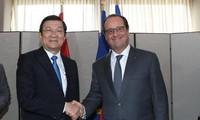 越法加强战略、安全、国防和经济合作