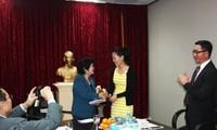 旅居澳大利亚越南人为黄沙长沙捐款