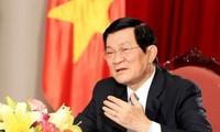 越南国家主席张晋创会见德国黑森州科学艺术部办公室主任穆勒