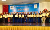 表彰2015年越南51名优秀科技人士