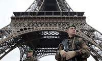 巴黎恐袭事件发生后多国加强安全戒备