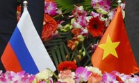 越南国会副主席汪朱刘会见俄罗斯联邦司法部部长亚历山大•科诺瓦洛夫