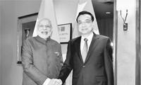 中国与印度促进双边关系