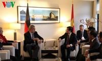 越南国家主席张晋创会见德国议会对东盟友好议员小组和柏林市市长