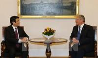 越南国家主席张晋创与德国总统高克联合举行记者会