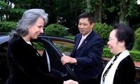 越南国家副主席阮氏缘与保加利亚副总统马尔加里塔•波波娃举行会谈