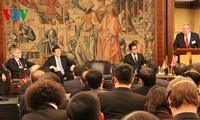 越南国家主席张晋创出席越德企业论坛并结束对德国的访问