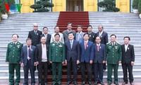 越南国家主席张晋创会见南方杀敌小勇士代表团