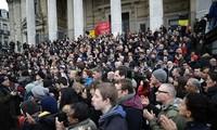 比利时悼念22日恐怖袭击事件遇难者