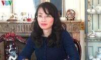 """""""越南-亚洲新龙""""企业论坛在法国参议院举行"""