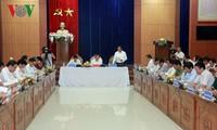 越南政府副总理张和平视察广南省
