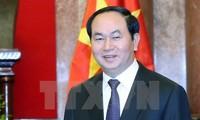 陈大光和夫人对文莱和新加坡进行国事访问