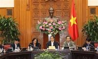 越南政府副总理武德担:加强全国老年人保健工作
