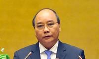 阮春福出席越南电力集团2016年工作总结会议