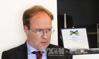 英国驻欧盟大使在英国脱欧谈判前夕宣布辞职