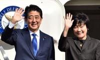 日本首相安倍晋三和夫人即将对越南进行正式访问