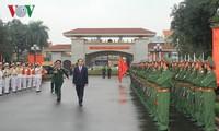 陈大光看望义安省第四军区司令部并致以新春祝福