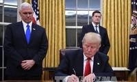美国总统特朗普签署行政命令退出TPP