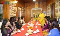 亚欧各国大使在捷克了解越南文化