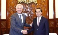陈大光会见美国通用电气公司(GE) 董事长伊梅尔特