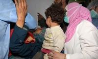 叙利亚在造成数十人死亡的爆炸袭击发生后恢复撤离活动