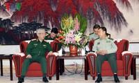 中共中央军委副主席会见阮志咏上将