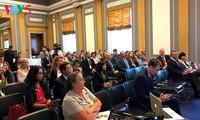 关于越南橙剂受害者的纪录片在美国参议院上映