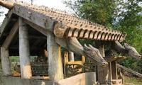 戈都族的木屋雕刻艺术