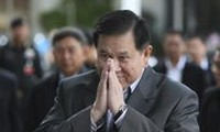 Thai army calls talks between government and protesters