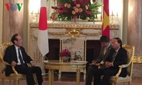 Vietnamese official greets Japanese Credit Saison leader