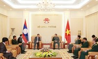 Improving the Vietnam, Laos special solidarity