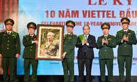 Viettel creates new growth model: PM Nguyen Xuan Phuc