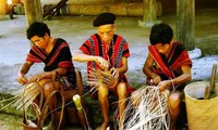 Crafts of the Kho Mu
