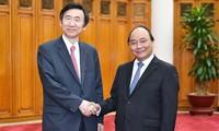 Vietnam aims to raise bilateral trade with South Korea to 100 billion USD
