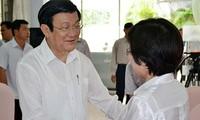 Presiden Vietnam Truong Tan Sang melakukan kontak dengan pemilih kota Ho Chi Minh