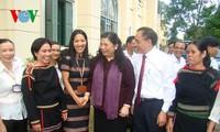 Wakil Ketua MN Vietnam, Tong Thi Phong melakukan kontak dengan pemilih provinsi Dac Lac