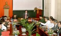 MN mengawasi beberapa masalah spesialis di bidang pertahanan dan keamanan di daerah Vietnam Selatan