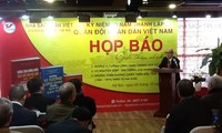 Peluncuran 3 buku menyambut peringatan ultah ke-70 hari berdirinya Tentara Rakyat Vietnam