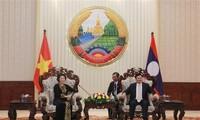 阮氏金银会见老挝政府总理通伦•西苏里
