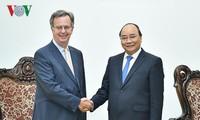 阮春福总理会见西班牙驻越大使加西亚