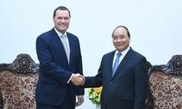 越南政府总理阮春福会见捷克驻越大使克莱佩科