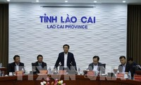 越南政府副总理王庭惠在老街省考察调研