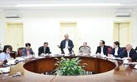越南政府总理阮春福与越南药材协会举行工作座谈
