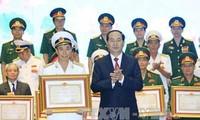 陈大光出席向国防军事领域研究工程授予科技类胡志明奖仪式