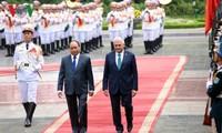 阮春福主持仪式欢迎土耳其总理伊尔德勒姆访越